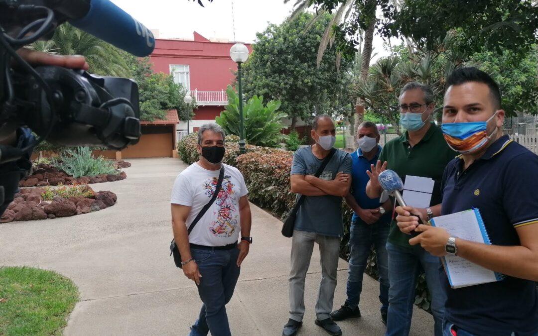 El personal critica la acumulación de basura en la ciudad alta y periferia